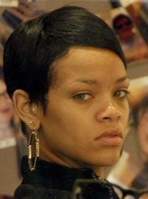NOS CELEBRITES SANS MAQUILLAGE : Rihanna