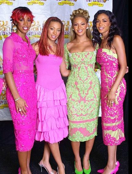 Solange Knowles mal habillée et avec des tresses rastas, avec beyonce, Destiny's child, Michelle Williams
