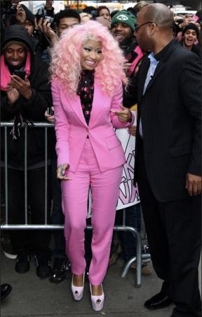 Nicki minaj avec une perruque rose