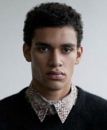 12. SIMON PAUL. 20 ans. Originaire de Berlin. Mesure 1,88m.