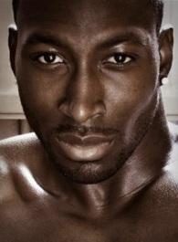 22. COURTNEY JAMES. 25 ans. Originaire de Londres. Aussi professeur de fitness.