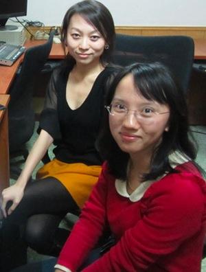 Huang Yuanyuan en photo ci-dessus, sur le devant.