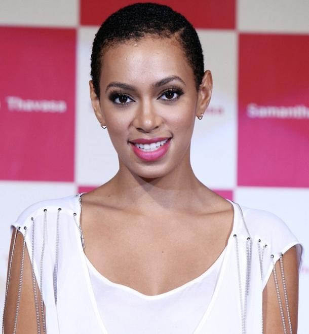 Solange Knowles twa , mini afro