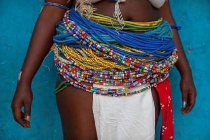 Image result for Colliers de perles aux hanches senegal