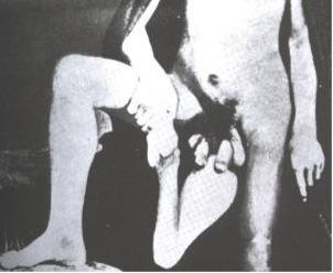 UN COUPLE SEXY A L'EPOQUE UNE FEMME AVEC DEUX VAGINS ET UN HOMME AVEC DEUX PENIS - Juan Baptista dos Santos