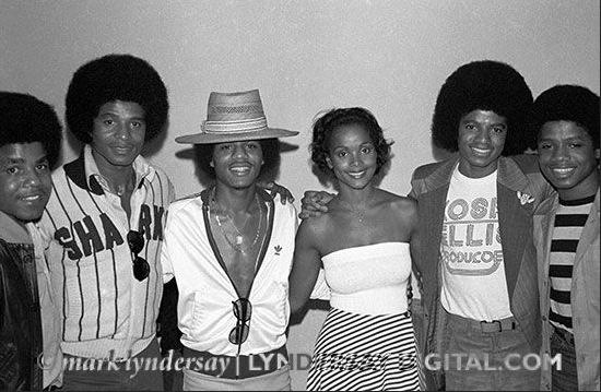 MICHAEL JACKSON EMBRASSE LA PREMIERE MISS UNIVERS NOIRE (Jackson 5)