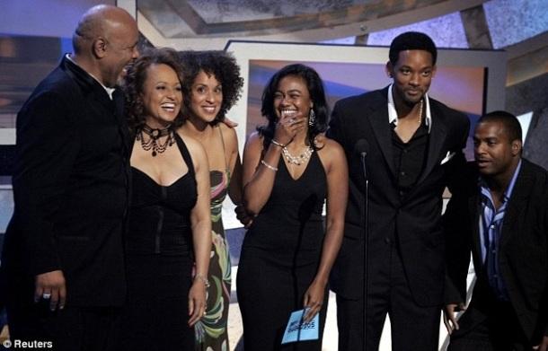 """2005 : une des dernières réunions de la famille """"Prince of Bel Air"""" au complet aux BET Awards sans Janet Hubert."""