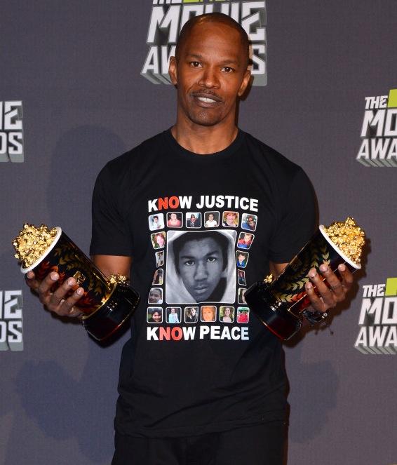 JAMIE FOXX : QUAND UN DE SES TEE-SHIRTS CREE LA POLEMIQUE... ET LE RACISME - Trayvon Martin