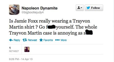 JAMIE FOXX : QUAND UN TEE-SHIRT TRAYVON MARTIN CREE LA POLEMIQUE... ET LE RACISME