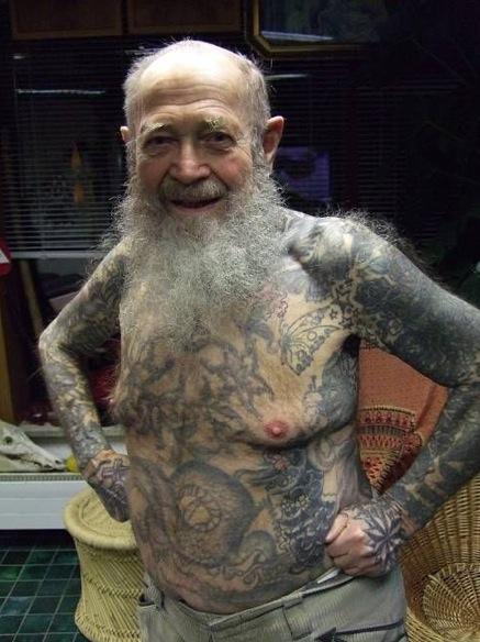 12. Le tatouage 100 ans d'âge (bizarre)