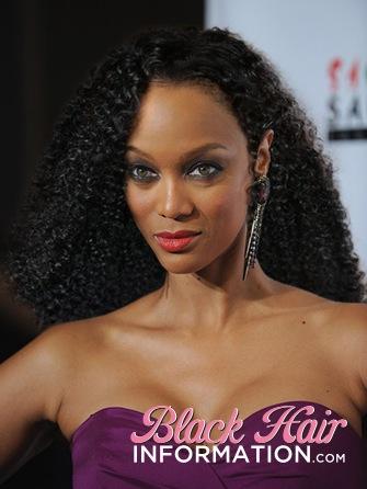 6. Tyra Banks avec ses cheveux naturels