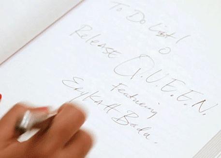 """LE DUO JANELLE MONAE, ERYKAH BADU POUR LE TITRE """"QUEEN"""""""