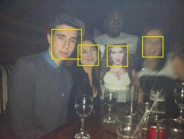 QUAND ON EST LE NOIR SUR LA PHOTO la reconnaissance faciale ne marche pas