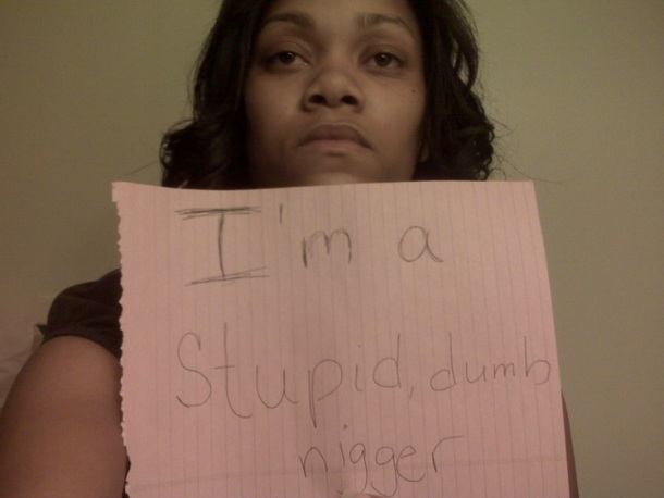 Des noirs qui détestent les noirs et le fait d'être noirs ?