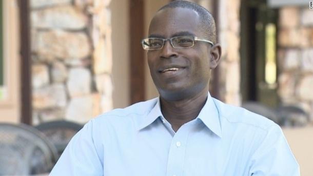 UN MILLIONNAIRE QUTTE MICROSOFT POUR EDUQUER LES FUTURS LEADERS AFRICAINS - Patrick Awuah