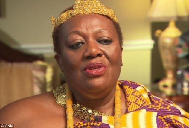 UNE SECRETAIRE RECOIT L'APPEL D'UN COUSIN ELOIGNE L'INFORMANT QU'ELLE A HERITE D'UN TRONE AU GHANA - Peggielene Bartels