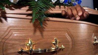 Brighton Dama Zanthe -  il ressuscite à son enterrement