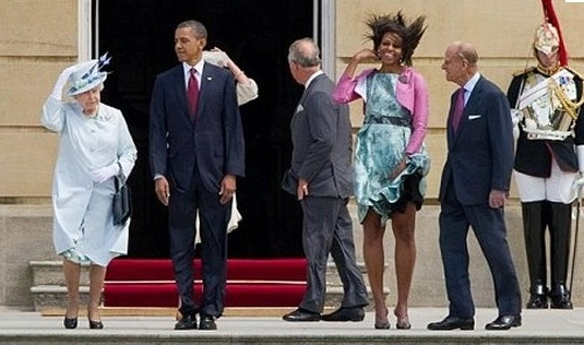 Michelle Obama bad hair day - quand les cheveux causent problème (+ Reine d'angleterre)