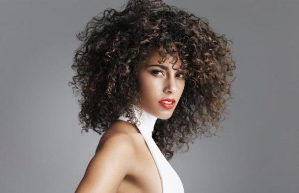 LES FEMMES LES PLUS SEXY AU MONDE - RIHANNA EN 1ERE PLACE SELON 'COMPLEX MAGAZINE' + Alicia Keys