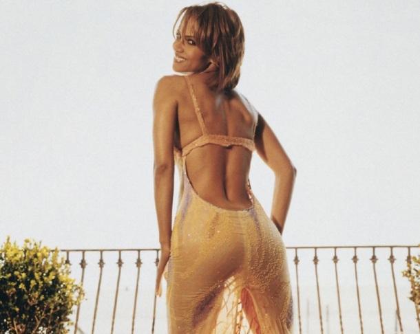 LES FEMMES LES PLUS SEXY AU MONDE - Halle Berry