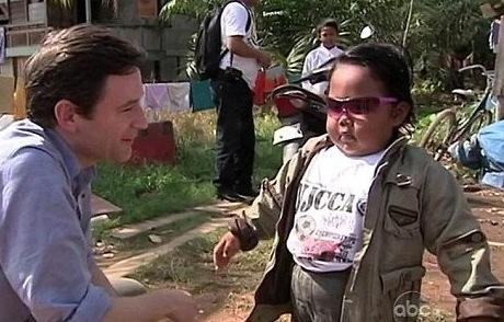 ARDI RIZAL, 2 ANS : LE BEBE FUMEUR DE L'INDONESIE
