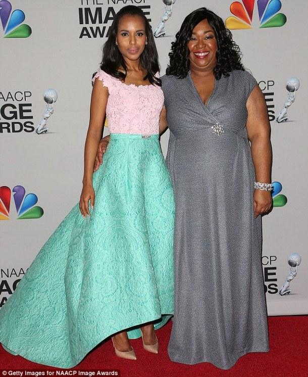 Kerry Washington à gauche et Shonda Rhimes, la créatrice de la série 'Scandal'.